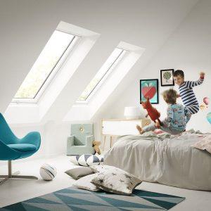 Мансардне вікно Roto R48WH WD 100×146 (біла сосна)