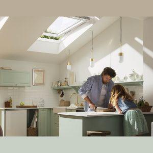 Вікно дахове Roto R48WH WD 71×146 (біла сосна)