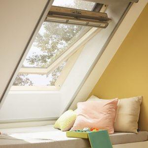Дахове вікно Roto R45WH WD 71×146 (біла сосна)