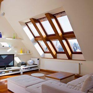 Вікно дахове Roto R45WH WD 60×84 (біла сосна)