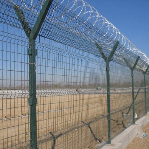Установка паркану із секцій висотою до 2,4 м на готову основу з Y накінечником, секцією 530 мм і СББ