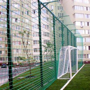 Установка паркану із секцій висотою від 6 м на готову основу  з накінечником