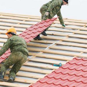Монтаж металочерепиці -складний дах (метал і планки)