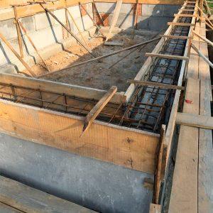 Будівництво монолітного з/б пояса фундамента