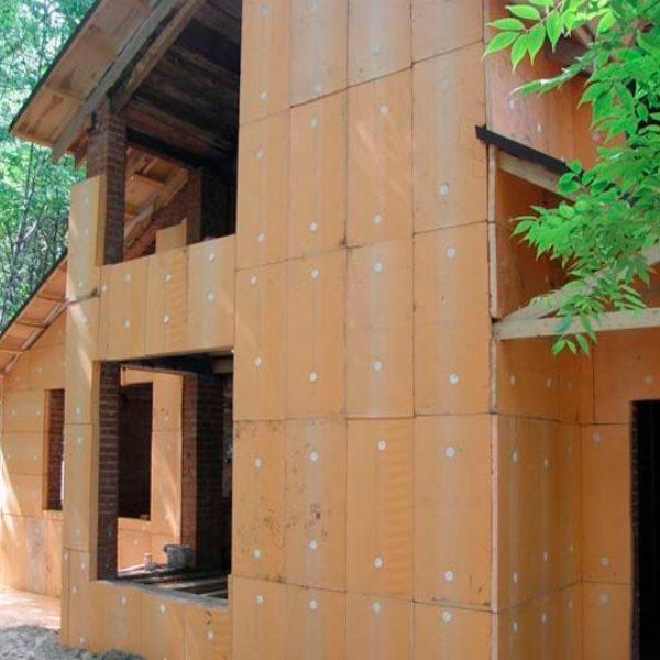 Фасадне утеплення екструдером 100 мм (декор- структурна фарба)